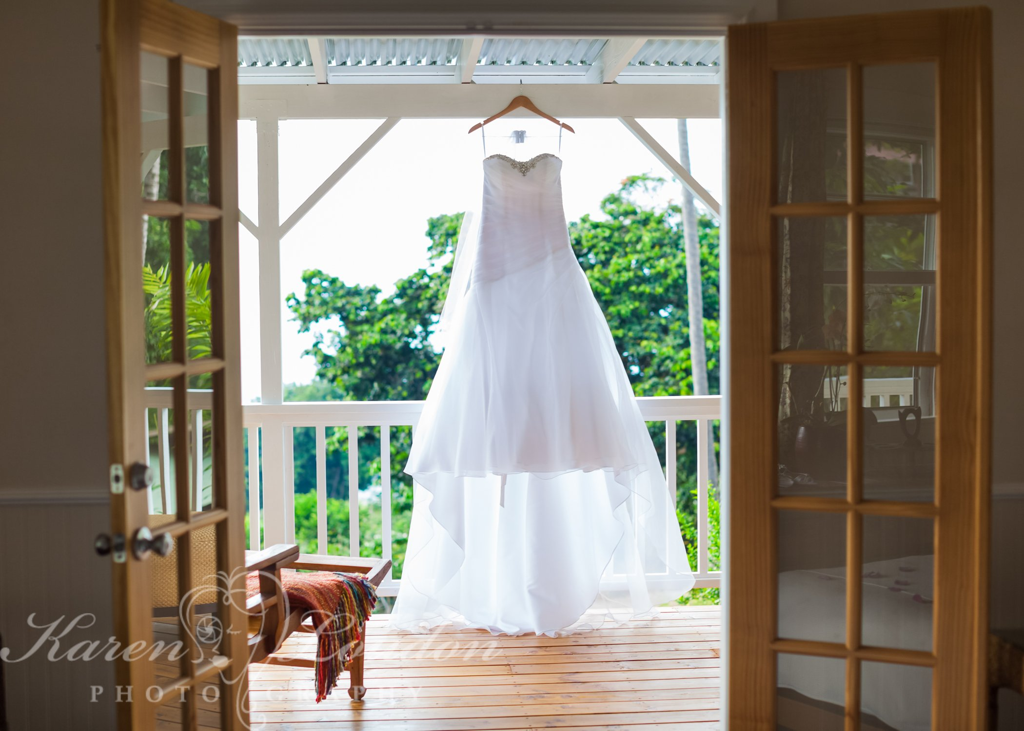 Holualoa wedding dress